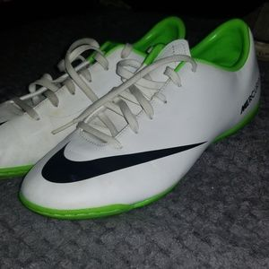 Indoor soccer shoes size 5.5 youth